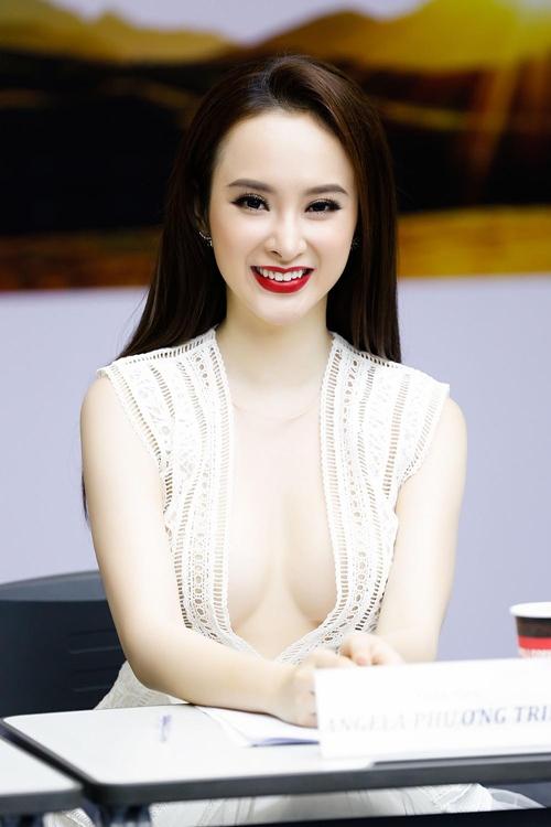 angela-phuong-trinh-suyt-lo-nguc-vi-vay-ao-ho-bao-6-1465975353-width500height750