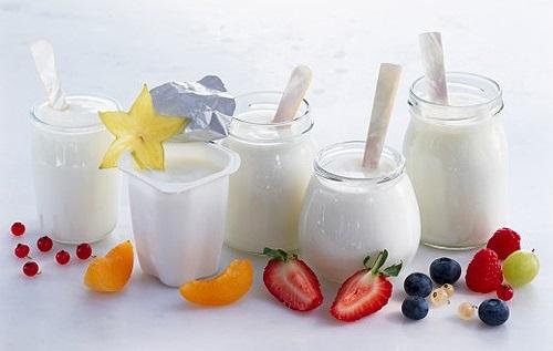 Tắm trắng bằng sữa chua hay sữa tươi sẽ tốt hơn-1